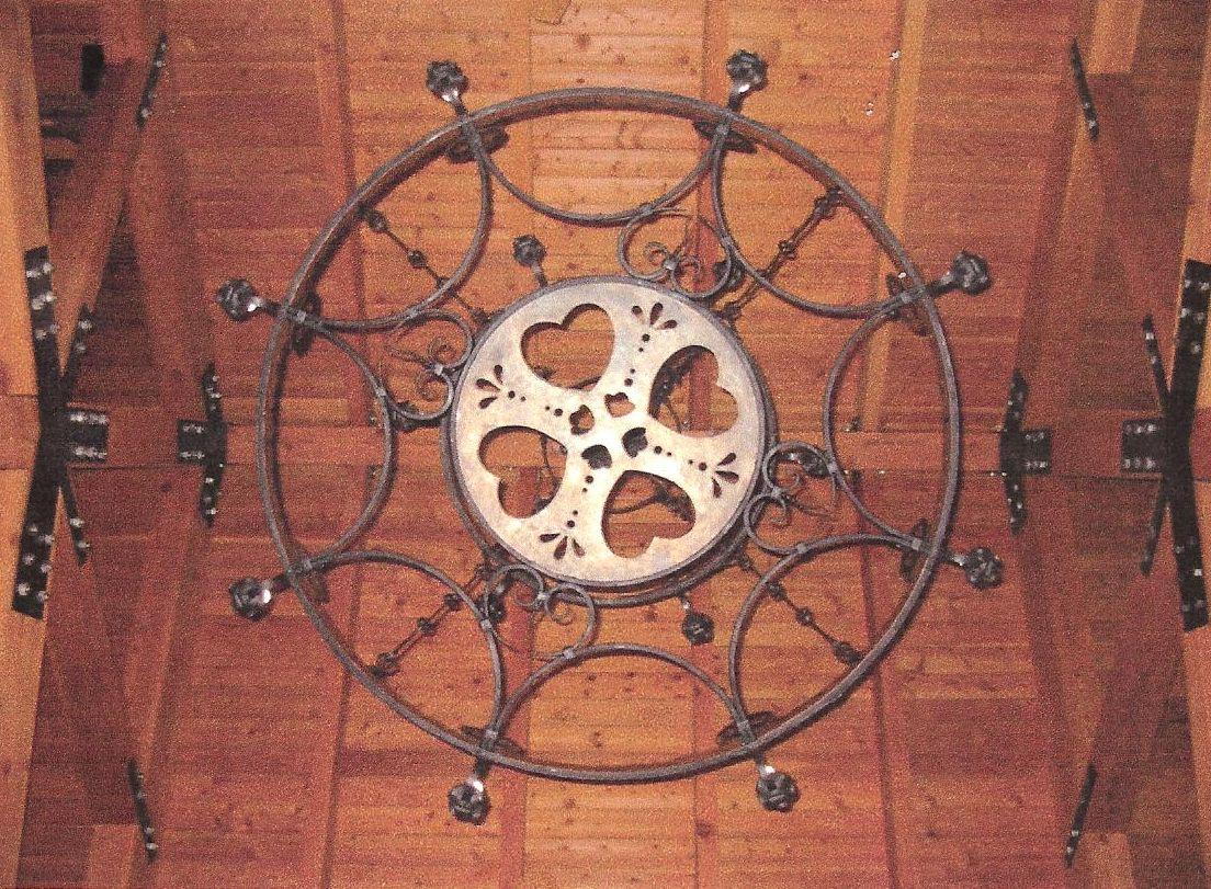 Bjorklunden Lodge chandelier detail.