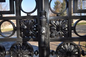 Gate detail-square compound rosettes, 64 total