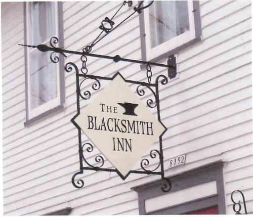 SIGN Blacksmith Inn Sign Bracket