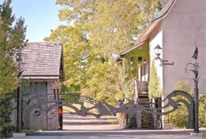 Lynden Entrance Gate
